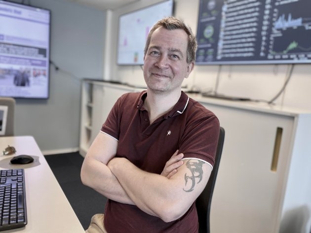 EN LITEN GLADHISTORIE: Nyhetsredaktør Anders Nordheim Dahl i ØB deler en ilandsproblem-historie med en dypere mening.