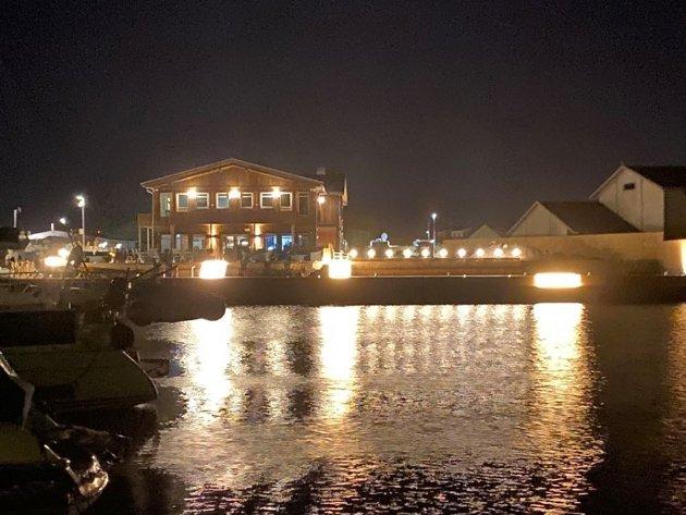 LYS: Restauranten «Solsiden» ved natt