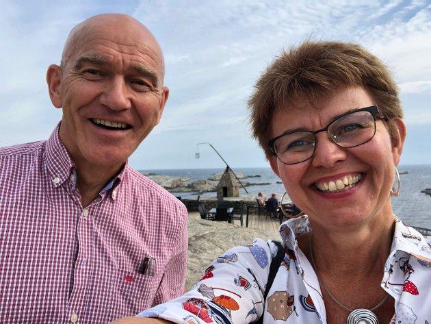 Senterpartiet vil styrke nasjonalparkene og besøkssentrene, skriver Kathrine Kleveland. Her sammen Olav Nordheim i Færder nasjonalpark.