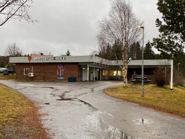 SPARES: Arbeiderpartiet har bestemt seg for ikke å legge ned Sørskogbygda skole, som dermed spares.