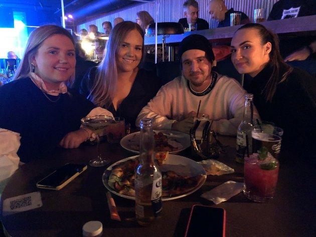 NOE Å SE FRAM TIL: Dette bildet er tatt på Central Scene i februar. Om planen til Erna Solberg slår til, er det ikke lenge til vi igjen kan gå på konsert, drikke øl og være sammen med flere mennesker.