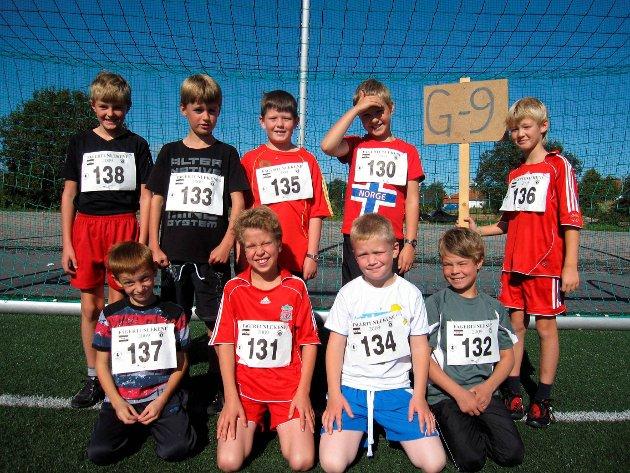 Gutter 9 år: Sindre Skaug, Erik Ødegård, Herman Kartnes, Rolf M. Glomsrud, Benjamin S. Studsrud, Sherif Mushica, Sivert Johansen, Tommy A. Andersen, Sander Tjerbo. (2009)