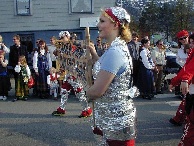 Takk for sølvet, Fundia. Russetoget 2000