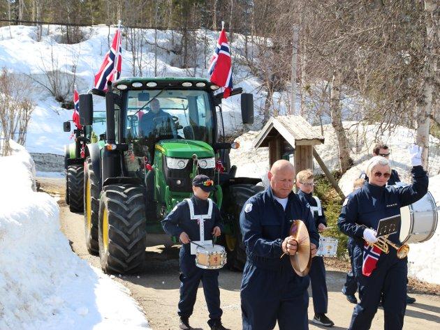 Skonseng skole- og ungdomskorps satte sitt glade preg på nasjonaldagen på Skonseng.