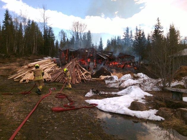 Sag på Skonseng brant ned til grunnen i juni.