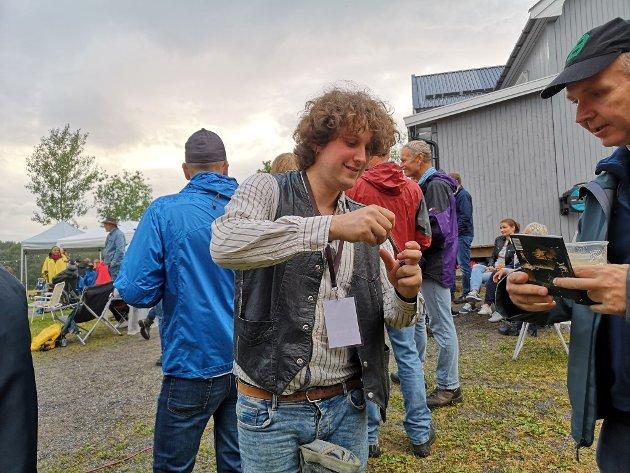 KNALLBRA: Anders Dahlberg leverte en vanvittig bra konsert og minglet rundt på tunet for å skrive autografer etterpå.