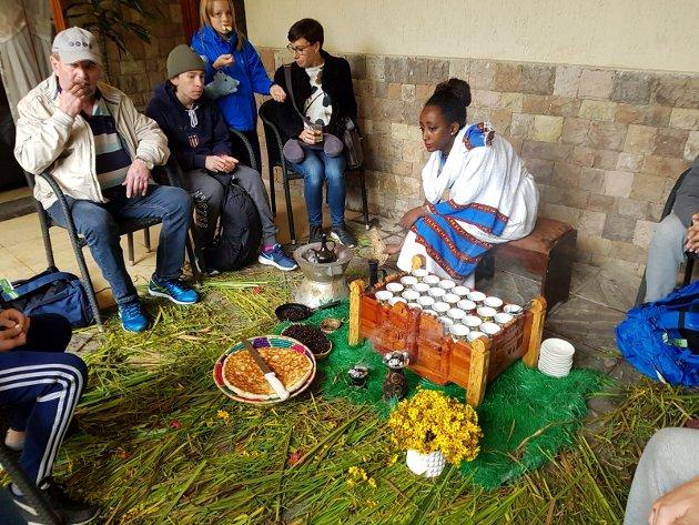 Kaffeseremoni er en godt nedarvet tradisjon i kaffelandet Etiopia.