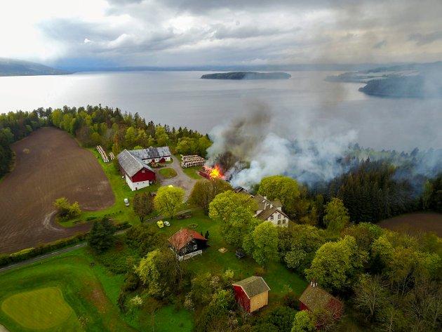 Bygningene på Storøya er overtent.
