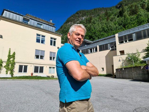 ØNSKER SVAR: Arild Standal har vært ansatt ved Rjukan sykehus siden 1991. Da både som leder og tillitsvalg. I dette leserinnlegget stiller han mange spørsmål til Tinn Ap pg Tinn Høyre han forventer å få svar på.