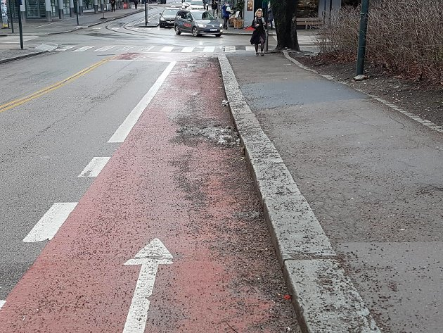 Dugnad: Innsenderen inviterer til ryddedugnad for å gjøre sykkelveiene på Strømmen tryggere.