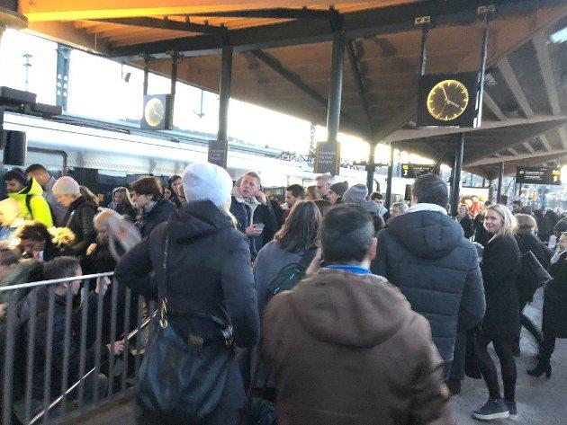 Om du pendler fra Lillestrøm stasjon er det å gå i gåsegang ned fra perrongene helt uproblematiske tiltak å gjøre.