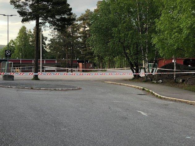 Avsperring etter skyting ved Åsen skole i Lørenskog i forrige uke.