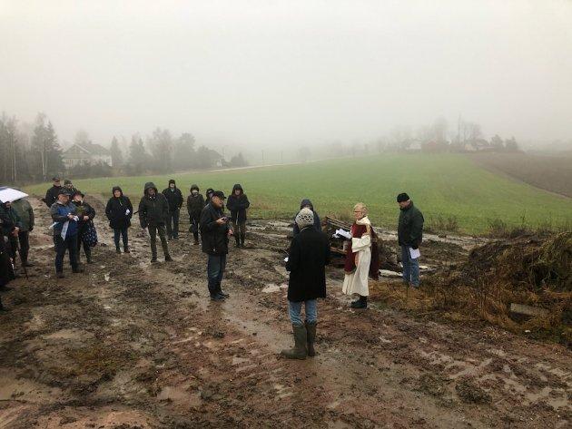 Farvelbakken på Klokkarstua har vært brukt som rettersted, og Hurum historielag har kjempet for å bevare området.