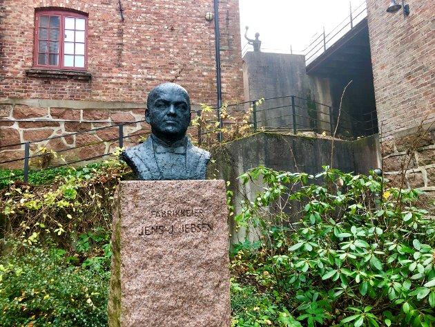 GRUNNLEGGER:  Jens J. Jebsen startet opp ullvarefabrikken på Berger i 1880.