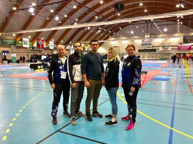 Fra venstre: Coach/Lagleder Ernst W. Erdmann, Qasem Alzeer, Mehmed Omerinovic, Camilla Svendsen og Anne-Lise Kristiansen