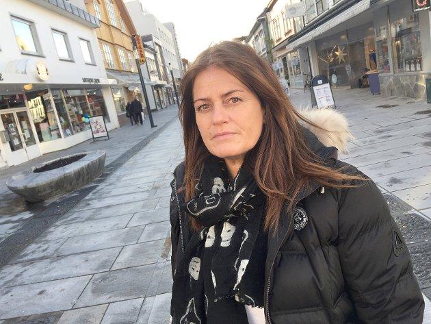 """BEKYMRET: """"Kundene og inntjeningen er forsvunnet for de fleste som driver butikk, restaurant, kafé, pub, ja you name it, i Langgata,"""" skriver Jorunn B Kvalbein."""