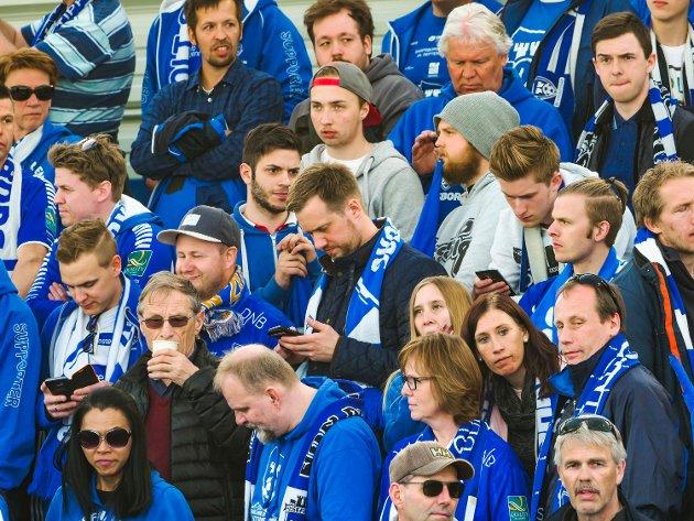 Fullsatt stadion under Sarpsborg 08s kamp mot Rosenborg. FOTO: Thomas Andersen