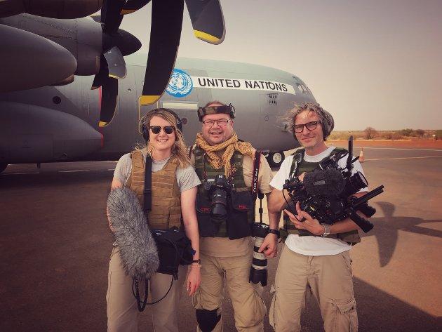PODKAST: Hanne Marie på tur for å lage podkast i Mali. Her sammen med kollegaene Torbjørn Kjosvold og Torgir Haugaard.