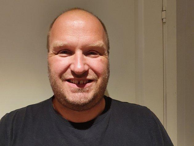 BER OM FRED: Svein Jarle Slinde, Sogndal Sp, ber om alle klarer å setja strek no.