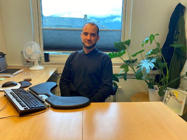 OM UTSLEPP: Markus Mohn Werner, svarar og forklarar om utslepp i Sogndalsfjorden.
