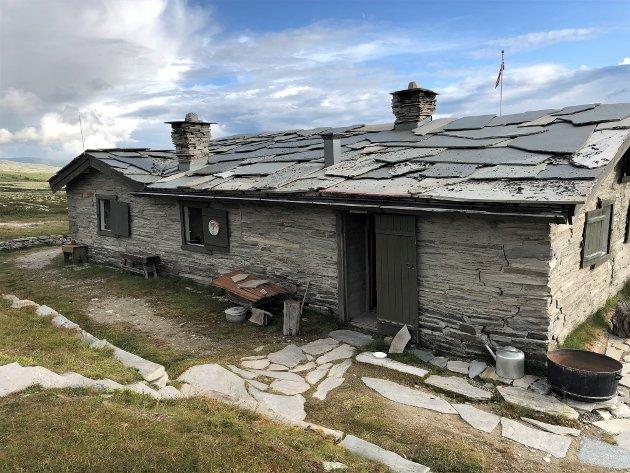 Peer Gynt-hytta i Rondane nasjonalpark besøkes hvert år av tusenvis av fjellvandrere. Nå blir den restaurert med støtte fra Kulturminnefondet.