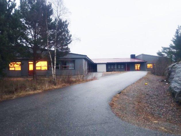 Plassering av ny skole på Frei er foreslått å bli i Omsundet, i nærheten av Frei ungdomsskole (bildet), Veslefrikk barnehage og Freihallen.