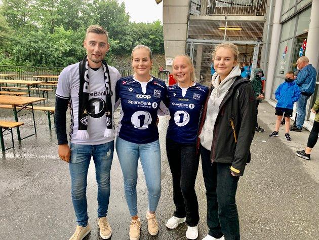 Aleksander Køteles (fra venstre), Anneli Leikvold, Lene Leikvold og Mia Leikvold. De tre sistnevnte er kusinene til KBK-spiller Sander Kartum.