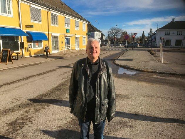 UVANT: Å ha en knallrød Jørn Magdahl som varaordfører vil nok nok bli uvant for de andre politikerne som skal styre Færder kommune.