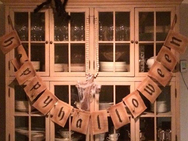 SKREKK OG GRU: I skrekkhuset på Ringshaug tar de Halloween-feiringen på alvor.