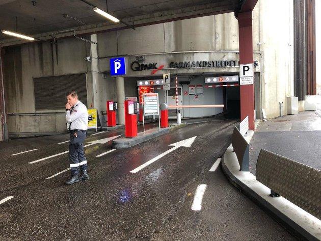 DYR TUR: Parkeringen i Farmandstredet ble dyr for innsenderen. Sjekk hvilken lapp du legger i frontruten, er et råd andre bilister kan ta med seg.