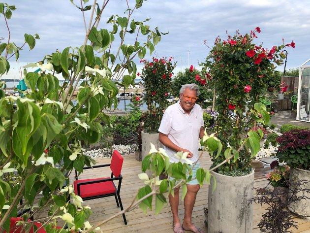 – Frigjort tid har gitt reformering av hagen i Åsgårdstrand. Når kjedsomheten har sneket seg på, så vekker jo det igjen skaperevnen, skriver Finn Schjøll.