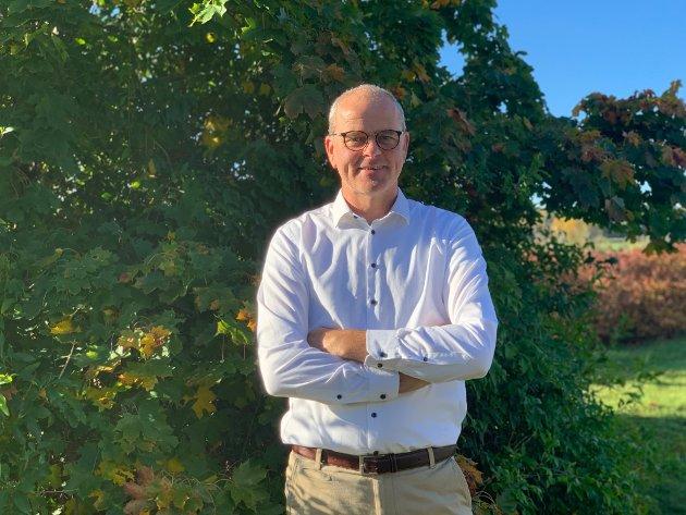 UTFORDRES: Færder Arbeiderparti og ordfører Jon Sanness Andersen må sørge for et bedre barnehagetilbud i ferietiden, krever forfatteren.