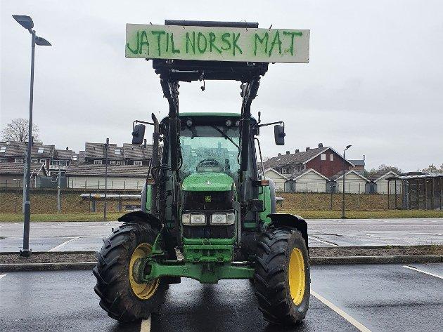 Traktor med tydelig budskap