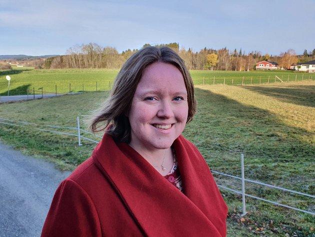 Anne-Gudrun Klæth Lyngsmo ved N.K.S. veiledningssenter for pårørende Midt-Norge mener man bør tenke over hvordan man reagerer når noen takker nei til alkohol.
