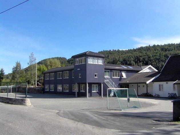 Senterpartiet i Tvedestrand er opptatt av hva som skjer med barna i Røysland krets hvis skolen på Songe legges ned.
