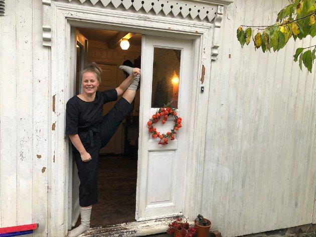 Myk kropp: - Jeg har yogaklasser, og det er godt å få trent selv også, sier Rebekka.