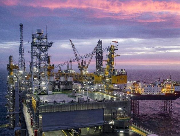 Debatten etter FNs klimarapport har i all hovedsak handlet om norsk oljepolitikk her i landet. Den bør handle om mer enn det. Bildet viser Johan Sverdrup feltsenter. FOTO: NTB