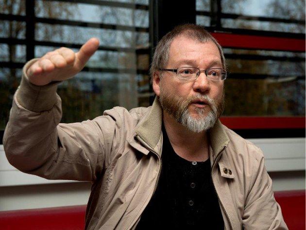 FÅR TYN: Finn Olav Rolijordet får så hatten passer av leserbrevskriver Roger Hugo Johnsen