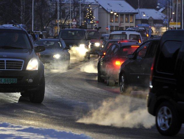 Kaldstarter er hovedårsaken til skadelige utslipp fra bil, skriver Bård Klungseth.