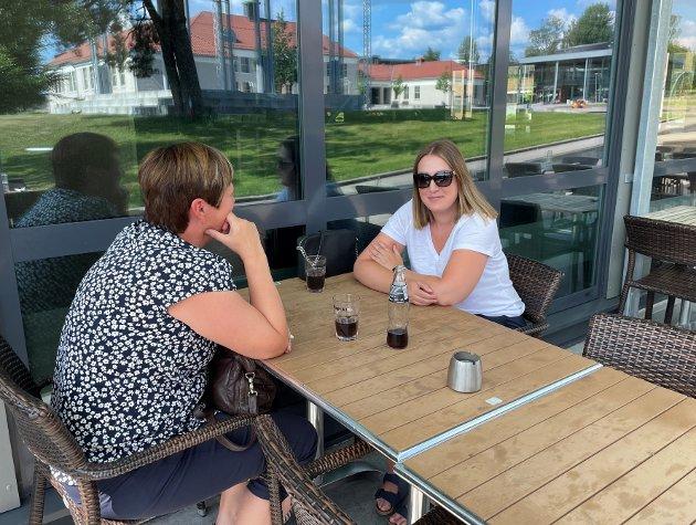 SLAPPER AV: Keren Sørli nyter ettermiddagen på Platos Bar & Tapas med en iskald brus.