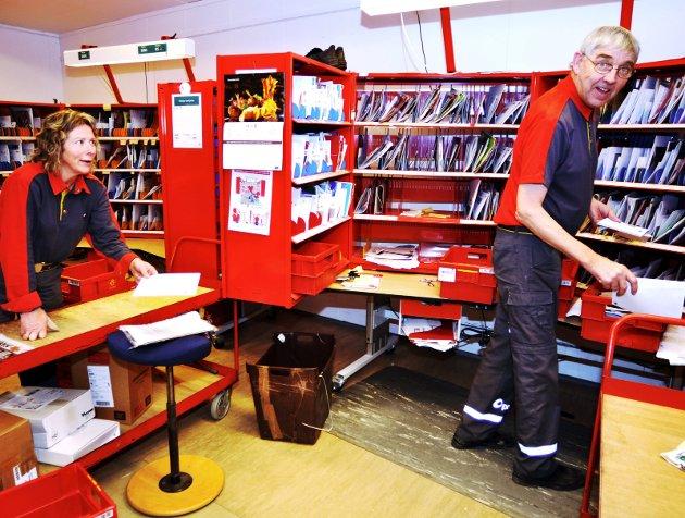 BREV: Antall postsendinger faller dramatisk, og med det også Postens inntekter.