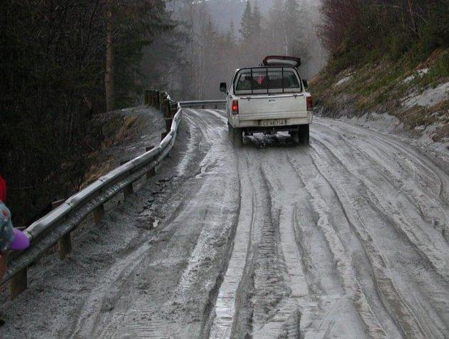 Ap i Innlandet vil ha et nasjonalt vedlikeholdsprogram for fylkesvegene.