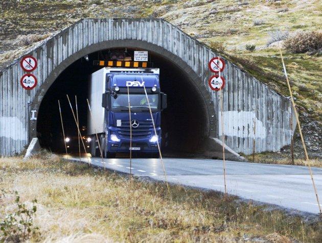 SIKRERE: Sikkerheten på Strynefjellet handler steg for steg om å gjøre ferdsel gjennom fjell litt sikrere.