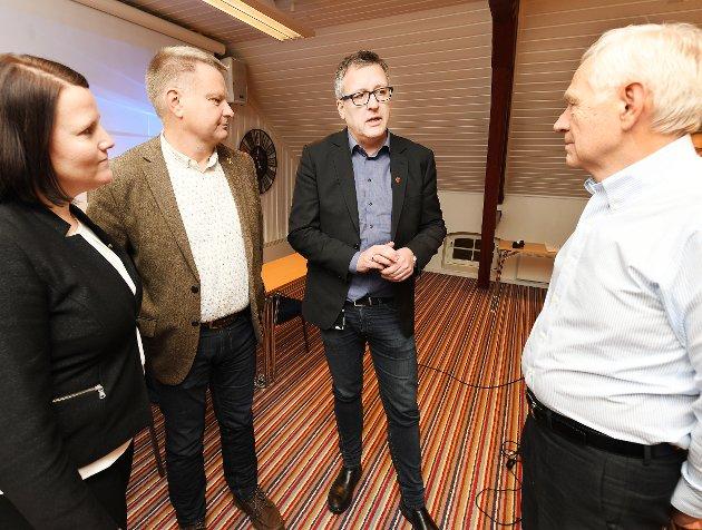 Utfordrer: Victor Norman (til høyre) skal se på både eldrebølge og fraflytting.Foto: Asmund Hanslien