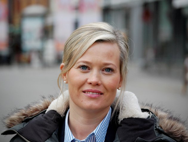 KRAV: Kjersti Bjørnstad er ny leder i Oppland Senterparti. Partiet stiller tøffe krav for å gå for valgt sykehusmodell.