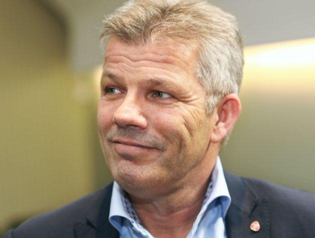 FORLEGENHET: Bjørnar Skjæran har stilt både partilederen og ordførere som forsøker å stoppe smitten i forlegenhet. Foto: NTB