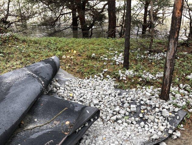 Miljøkrise: På avveie er resirkulert glass forurensning. Men hvem skal betale for oppryddingen?