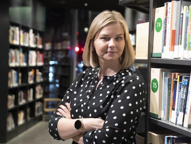 Kunnskapsminister Guri Melby (V) begrenser fylkenes styringsmuligheter.