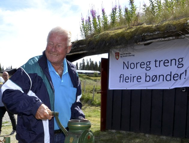 Carl I. Hagen har endret syn på norsk landbruk. Foto: Karen Bleken