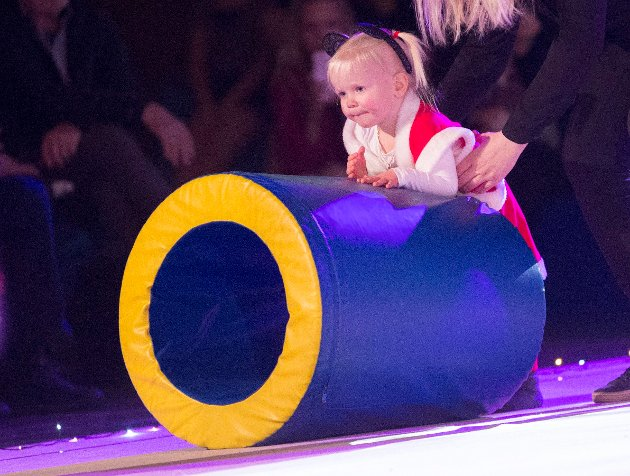 Turnlek; Celine Veigner (2 år)